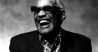 Ray-Charles-laughing-750x400